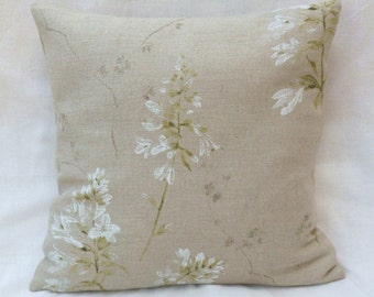 Pillow beige in linen white flowers cover