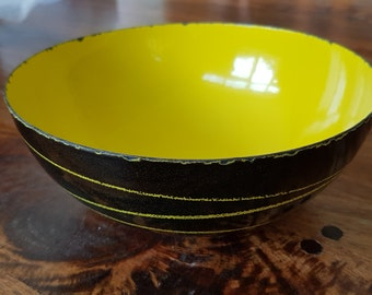 Saturn enamelware bowl, by Kittelsen for Cathrineholm, Norway 1958. A design icon