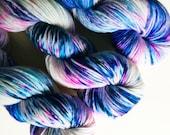 waterlily / hand dyed yarn / speckle yarn / superwash merino wool / dk weight single yarn / squishy soft / blue turquoise pink purple yarn