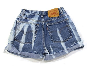 90s Cut Off Denim Shorts / Vintage 1990s Levi's Jeans Shorts / Short Daisy Duke Denim Shorts / Bleach Wash Tie Dye