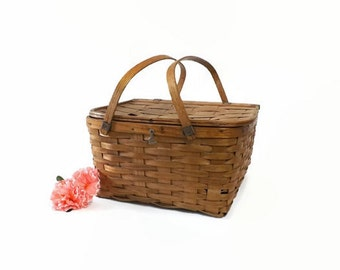 Vintage Splint Picnic Basket with Pie Shelf, Woven Country Farmhouse Food Tote, Removable Pie Stand