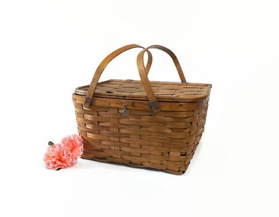 Picnic Basket Pie : Vintage splint picnic basket with pie shelf woven country