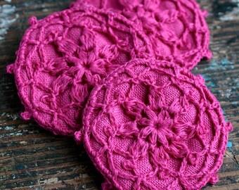 Linen crochet motif brooch - badge