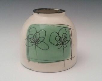 Chubster Vase Ceramic Bud Vase, Modern Pottery Vase, Small Chunky Vase with Minimalist Design