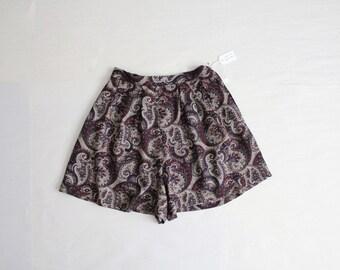 paisley shorts / flouncy shorts / high waist shorts