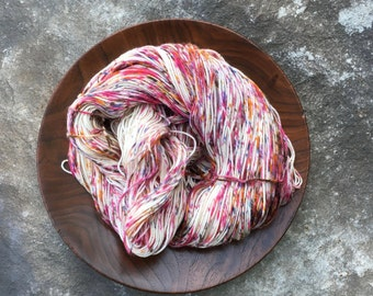 doppio FLUFFERNUTTER SPECKLE superwash merino.cashmere.nylon fingering yarn