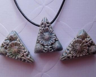 22mmx28mm Glazed Raku Floral Triangle Pendant (1)