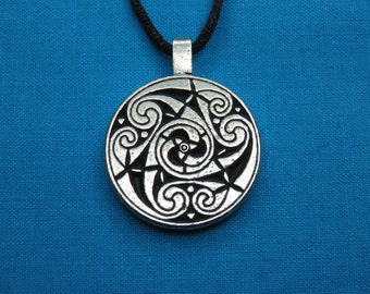 Small Circular Celtic Designed Pendant in Silver Pewter, Handmade, Handcast STK028