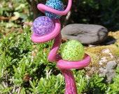 Cranberry Pink Glass Tigger Tail with Three Balls Garden Art Sculpture Outdoor Decoration Garden Finial