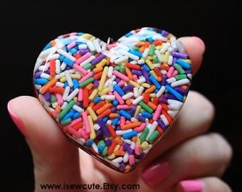 Resin Jewelry, Rainbow Kawaii Candy Harajuku Street Fashion Giant Sprinkles Heart Necklace, Huge Bling, Rainbow Sprinkles Necklace isewcute