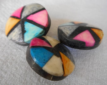 Set of 3 VINTAGE Dyed Inlay Shell on Horn BUTTONS