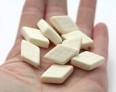 Vintage Cream Tan Ivory Matte Etched Flat Diamond Beads 25mm (12)
