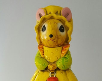 Vintage Country Mouse Coin Bank