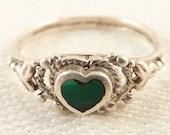 Size 1.5 Dainty Vintage Sterling Malachite Heart Ring