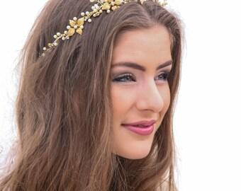 Wedding Crown in Gold and Ivory, Metal Leaf Wedding Headpiece Bridal Crown Metal Wedding Hair Accessory, Gold Bridal Tiara, Wedding Halo