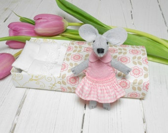 Stuffed animal mouse in matchbox Baby shower newborn girl gift travel buddies ballerina miniature animal wool felt mouse animal pink