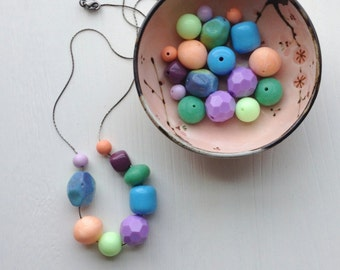 colored pencils - necklace - vintage lucite