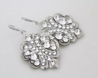 Crystal Bridal earrings, Vintage style Wedding earrings, Bridal jewelry, Chandelier earrings, Swarovski crystal earrings, Antique silver