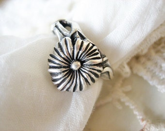 Antique daisy flower ring, vintage 925 sterling flower ring, French floral ring,  vintage floral ring, vintage daisy flower ring