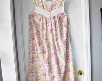 Vintage Cotton Night Gown 70s/Country Cottage Chic Sleepwear/Size Lg/Lightweight Soft Cotton  Sleep Dress