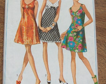 Vintage 60s Simplicity pattern 7988 Misses BRA-DRESS sz 12 b34