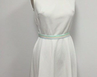 1970s Vintage Sleeveless Dress - White with Pastel - Spring Summer Casual Dress - Easy Wear Dress - Classic A Line - Ribbed Knit - 35 Bust