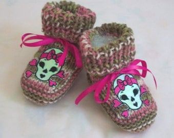 handmade knit Punk Skull  baby booties Pink Camo Camouflage Baby booties boots crib shoes 0-12M Skulls Glows in the light.  READY TO SHIP