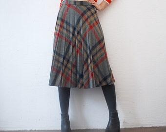 70s pleated skirt. plaid wool blend skirt. 70s midi skirt - medium