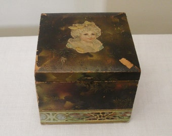 Vintage Paper Covered Collar Box with 2 Antique Collars