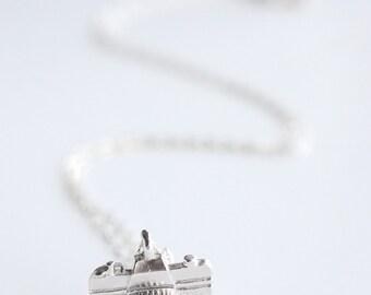 Photographer Camera Necklace - Silver Camera Necklace - Gift for Photographer - Girl Photographer - Camera Silver Pendant