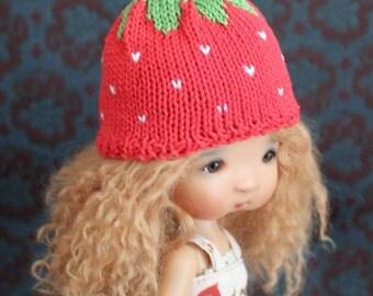 Strawberry hat for Tella, Elleki, Dal or other big headed doll