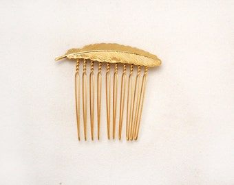 Small Feather Gold Comb, Wedding Comb, Bridal Comb, Bridesmaid Hair Accessory, Gift For Sister, Boho Chic, Grecian Style, Decorative Comb