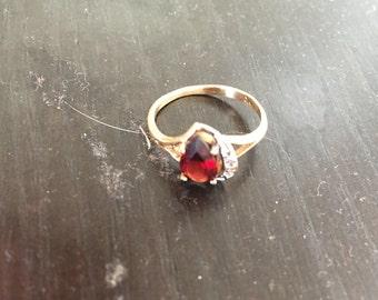 Vintage Engagement 1940 Garnet 10K Gold Ring
