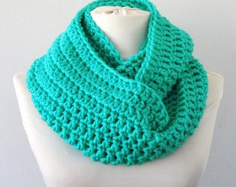 Crochet scarf crochet infinity scarf crochet cowl mint green scarf circle scarf winter scarf chunky scarf gift for her women scarves