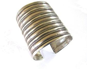 Antique Nepal Silver Cuff Bracelet, Ethnic Tribal, Nepalese Flared Cuff Bracelet, High Gradet, Silver, Indian Bracelet,  99.5Grams(3.510oz.)