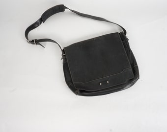 Cole Haan black genuine leather messenger travel bag 80s 90s vintage large laptop book bag attache
