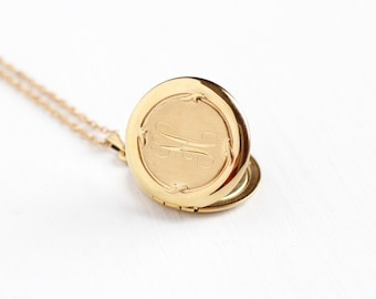 Vintage 12k Yellow Gold Filled Letter H Locket Pendant Necklace - Retro Circa 1970s Round Signet Monogrammed Initial Fancy Cursive H Jewelry