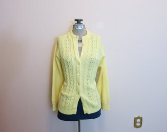 Sweater cardigan yellow cable knit 1960s acrylic mod M