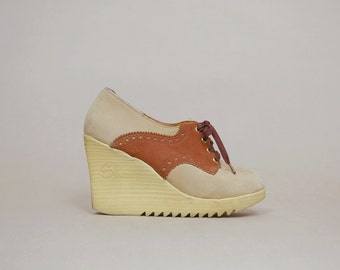 70s Platform Wedges Suede Oxfords 1970s Sbicca Rubber Soles Tan Beige Lace Up 1970s Hippie / Size 8