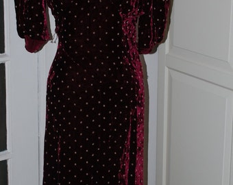 30s Evening Gown, Rich Burgundy Silk Velvet with Gold Embroidery, Beautiful Condition, Size S/M