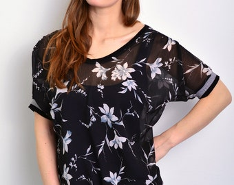 black summer blouse with flowers by STADTKIND