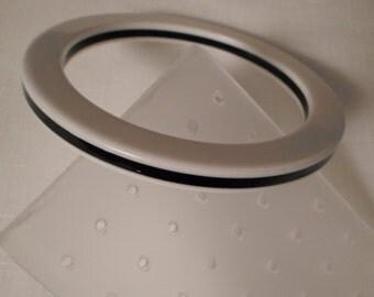 BLACK & WHITE BANGLE / Bracelet / Striped / Layered / Laminated / Best Plastics / Retro / Modernist / Fashionista / Trendy / Mod / Accessory