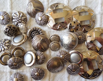 Mixed Lot of 30 Vintage Southwestern Silver Tone Buttons    MDN5