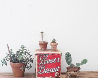 vintage Loose's biscuit advertising tin