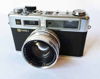 Vintage Yashica Electro 35 Camera with fast 45mm f1.7 Lens