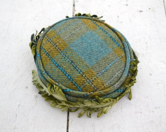 1950s Plaid Hat with Millinery Leaves