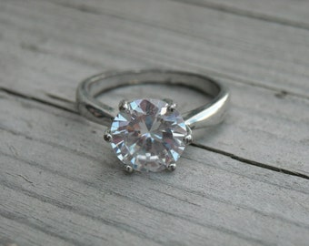 Vintage Imitation Faux Diamond Ring Size 7 Round Circle Cut Single Solitaire Diamond Ring Silver Diamond Ring Wedding Ring Engagement Ring