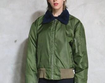 flight jacket, bomber jacket, 80s vintage camo olive green zip front, sherpa collar, military, minimal, sporty, zip up, medium