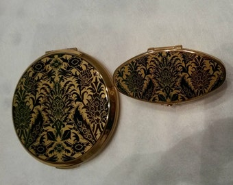 Stratton Powder Compact 2pc Set; Rondette; Features A Batik Paisely Design-  circa 1950-1980   DR238