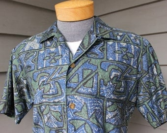vintage 1960's -Stan Hicks Hawaiian Casuals- Hawaiian short sleeve shirt. Batik inspired print on polished cotton - loop collar. Medium